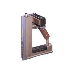 MAGNETIC SQUARE TYPE PRECISION FOR LM GUIDE